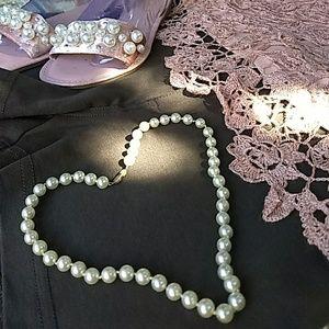 Vintage Pearls  EUC